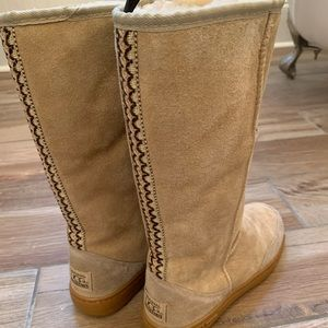 UGG boots size 6 tan suede
